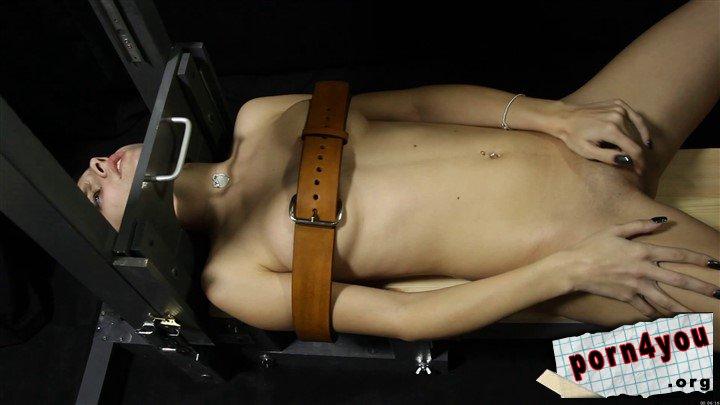 Porn guillotine Extreme Fantasy